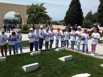 İlkokul Öğrencilerinden Şehitlik Gezisi