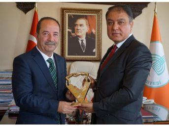 Edirne Valisi Tekinarslan'dan Belediye Başkanı Gürkan'a Ziyaret