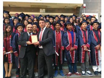 Cemalettin Sarar Ortaokulu Öğrencileri Mezuniyet Coşkusu Yaşadı
