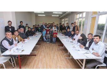 Esogü'den Türkmenlere Verilen Türkçe Okuma - Yazma Kursunu Ziyaret Etti