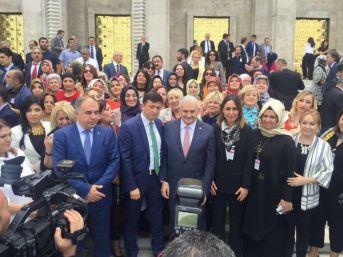 Başbakan Yıldırım, İzmir Teşkilatı İle Kucaklaştı