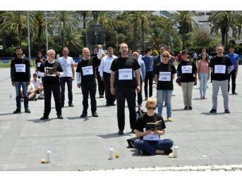 Chp İzmir'den 'gezi Parkı' Eyleminin 3 Yılında 'duran Adam' Eylemi