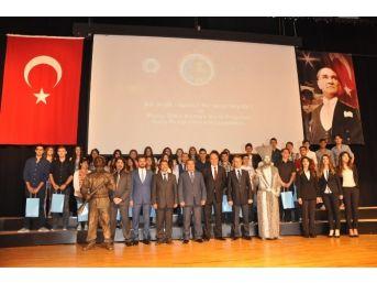 İzmir Polisi Suçlularla Uğraşırken Gençleri İhmal Etmedi