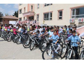 243 Bisiklet Dağıtıldı