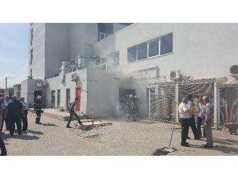 Hastanenin Elektrik Ünitesinde Çıkan Yangın Korkuttu