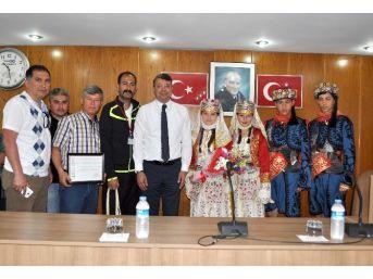 Halk Oyunları Ekiplerinden Başkan Turgut'a Ziyaret