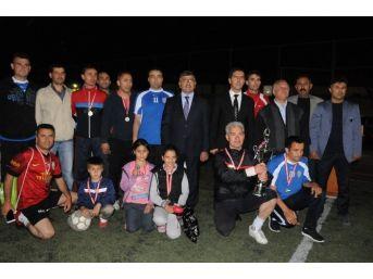 Niğde Belediyesi Futbol Turnuvası'nın Galibi Milli Eğitim Müdürlüğü