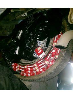Genç Kadın 5 Bin 900 Paket Kaçak Sigarayla Yakalandı