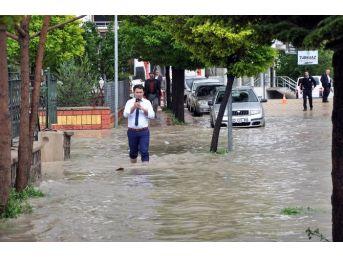 Sorgun'da Şiddetli Yağmur Hayatı Olumsuz Etkiledi