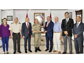 Türk Kızılayı Adana Şubesinden Jandarma Komutanlığına Ziyaret