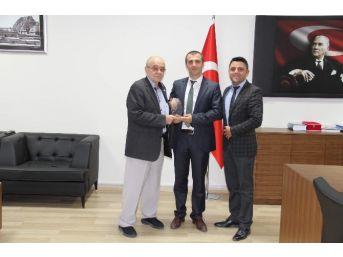 Türk Kızılay'ından Afyonkarahisar Kamu Hastaneler Birliği Genel Sekreterliğine Ziyaret