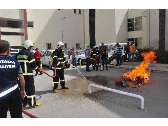 Manavgat Devlet Hastanesi'nde Gerçeği Aratmayan Yangın Tatbikatı