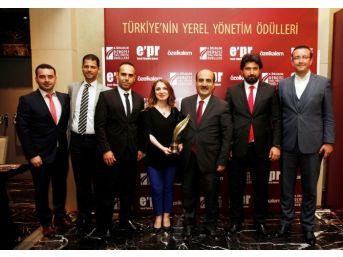 Başkan Karadeniz'e ''e-belediyecilik'' Ödülü