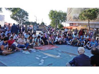 Dikili Chp'den Kılıçdaroğlu'na Yapılan Eyleme Sessiz Kınama