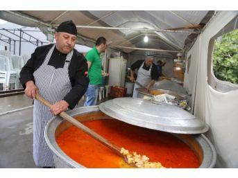 Sapanca Belediyesi İftar Çadırı Hizmet Vermeye Devam Ediyor