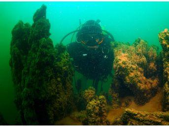 Dünyanın Bilinen En Büyük Mikrobiyalitleri Van Gölü'nde