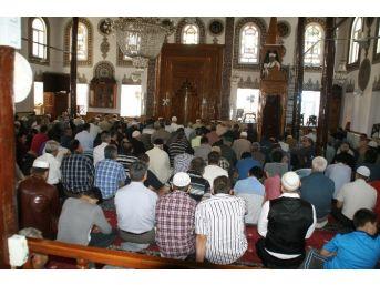 Devrek'te Ramazan'ın İlk Cumasına Yoğun İlgi