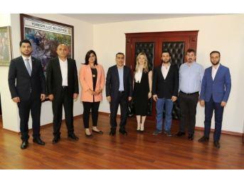 Agiad Yeni Yönetimi Başkan Çelikcan'ı Ziyaret Etti