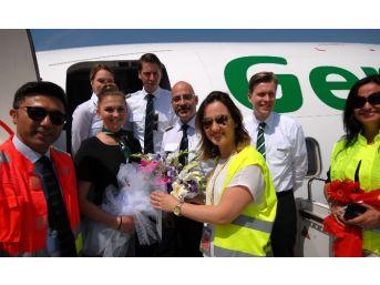 Germania Havayolları Uçağına Adana'da Sulu Karşılama