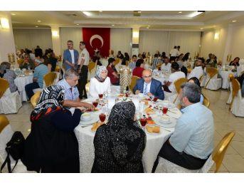 Vali Demirtaş, İftar Yemeğinde Şehit Aileleri Ve Gazilerle Bir Araya Geldi