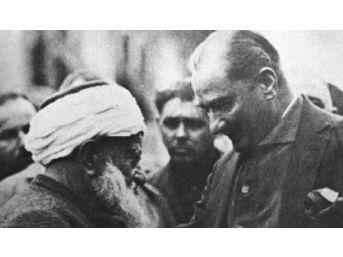 Atatürk'e Altınlarını Veren Müftü Dualarla Anıldı