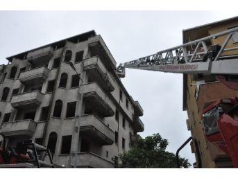 (özel Haber) Sık Sık Yangın Çıkan Boş Binada Polisten Madde Bağımlısı Avı