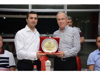 Tayini Çıkan Dinar Garnizon Komutanına Veda Programı Kapsamında İftar Yemeği Verildi