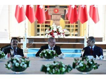 Cumhurbaşkanı Erdoğan, Kanaat Önderleri İle İftarda Bir Araya Geldi