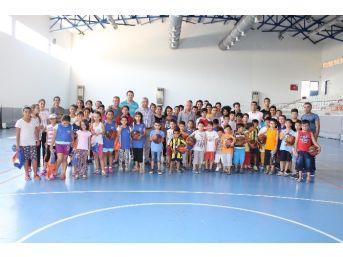 Büyükşehir Gazipaşa'da Basketbol Okulu Açtı