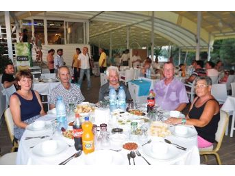 Manavgat'ta Yerleşik Yabancılara İftar