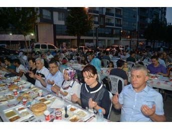 Sevgi Ve Kardeşlik Sofrası Bu Kez Gazipaşa Mahallesi'nde Kuruldu
