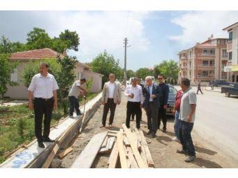 Osman Pelen Caddesinde Yol Genişletme Çalışmaları Devam Ediyor