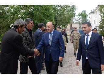 Vali Azizoğlu, İlk İlçe Ziyaretini 26 Yıl Önce Kaymakam Vekili Olarak Hizmet Verdiği Tekman'a Yaptı