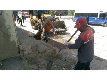Yüksekova'da Temizlik Çalışmaları Sürüyor