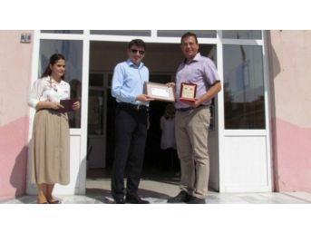 Pınarhisar Cumhuriyet İlkokulu Sıraları Yenilendi