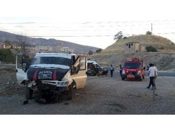 Malatya'da İftar Vaktinde Trafik Kazası: 4 Yaralı