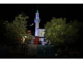 Dağyeniköy Camii'ne Işıklandırma