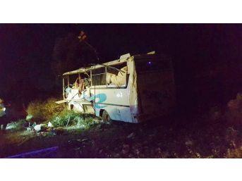 Mersin'de Trafik Kazası: 13 Yaralı
