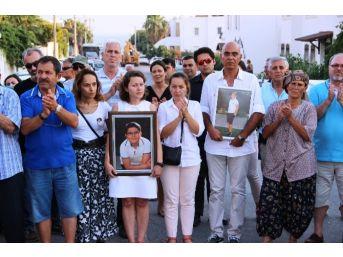 Acılı Anne Baba Çocuklarının Öldüğü Yolu Trafiğe Kapadı