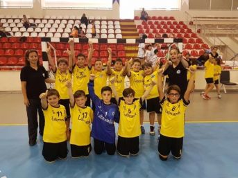 Milaslı Hentbolcüler Türkiye Şampiyonu Oldu
