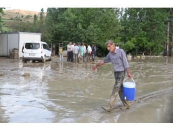 Muş'ta Sel Faciası: 2 Ölü, 1 Kayıp, 3 Yaralı
