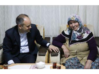 Bakan Çağatay Kılıç Samsun'da İhtiyaç Sahibi Aileleri Ziyaret Etti