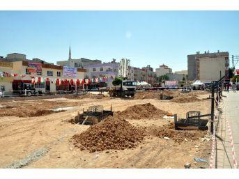 Akçakale'ye Semt Pazarı Ve Spor Kompleksi Temeli Atıldı