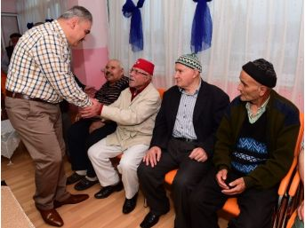 Uşak'ta Yaşlılar Babalar Gününde Unutulmadı