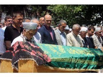 Çalışma Ve Sosyal Güvenlik Bakanı Soylu, Yalova'da Cenaze Namazına Katıldı