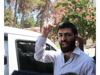 Adana'da Cemaatin Dövdüğü Canlı Bomba Paniğine Sebep Olan Şahıs Adliyeye Sevk Edildi