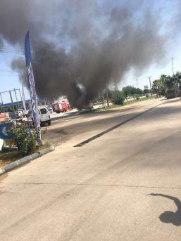 Lpg'li Otomobil Akaryakıt İstasyonu Önünde Alev Topuna Döndü
