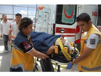 Merdivenlerden Yuvarlanan Suriyeli Ağır Yaralandı