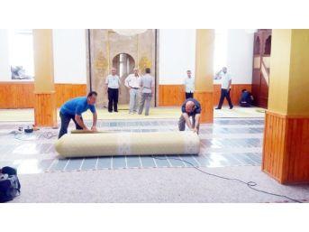 Merinos'tan Besni Çat Camisine 420 Metre Büyüklüğünde Halı