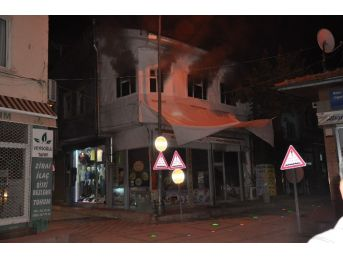 Sandıklı'da Lokantada Yangın Çıktı
